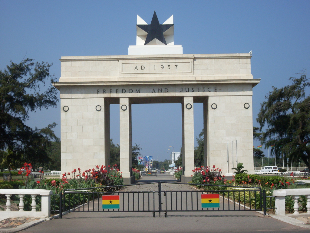 Independence_Arch_-_Accra_Ghana1