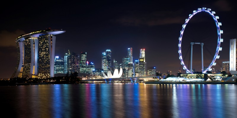 Singapore_skyline_viewed_from_Gardens_by_the_Bay_East_2